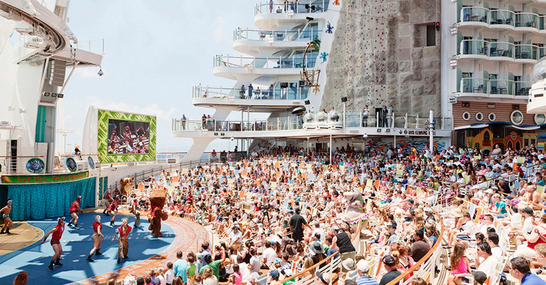 World S Largest Cruise Ship These Photos Take You Inside One Of The World S Largest