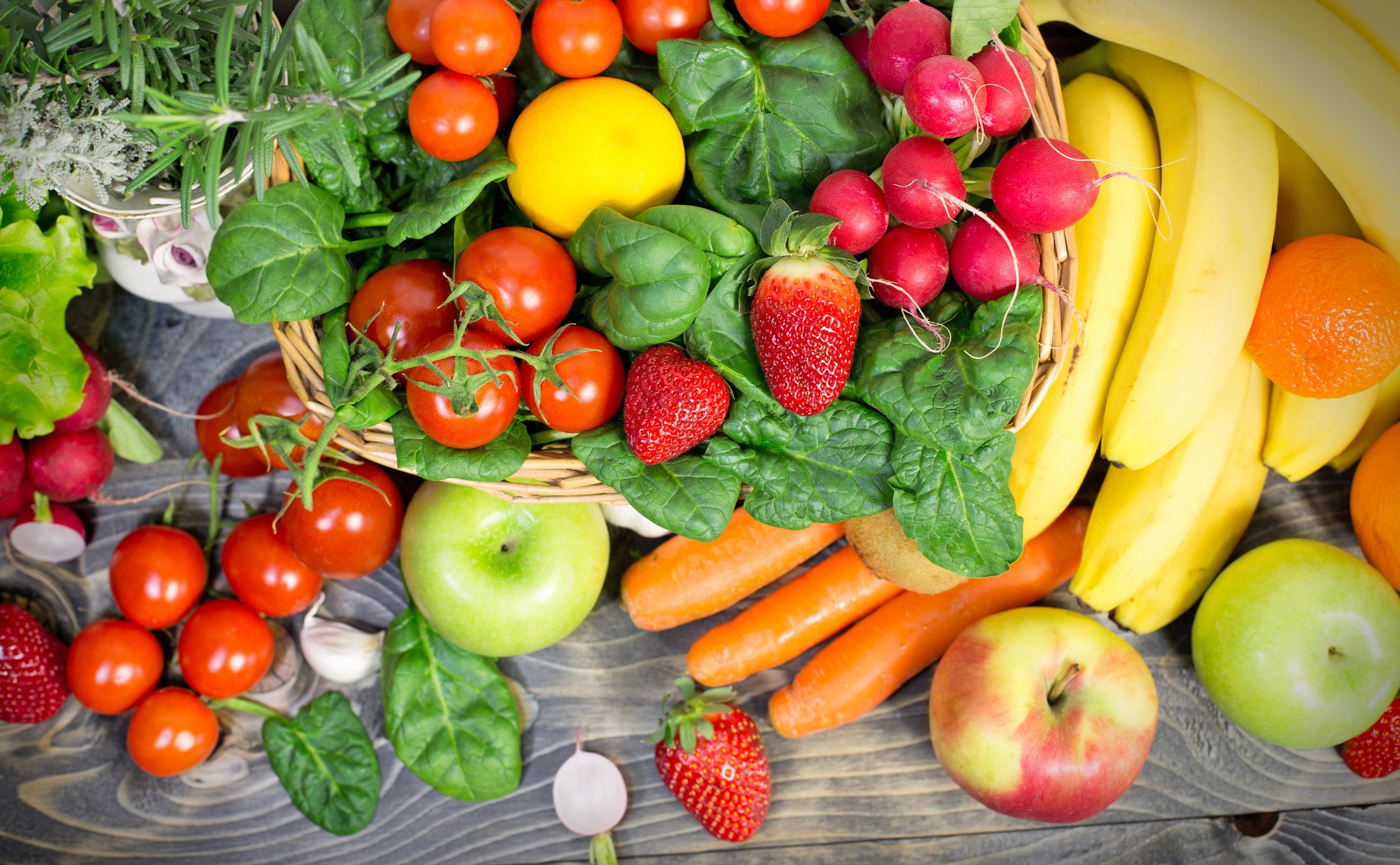 The Fruits And Vegetables You Should Never Be Stored