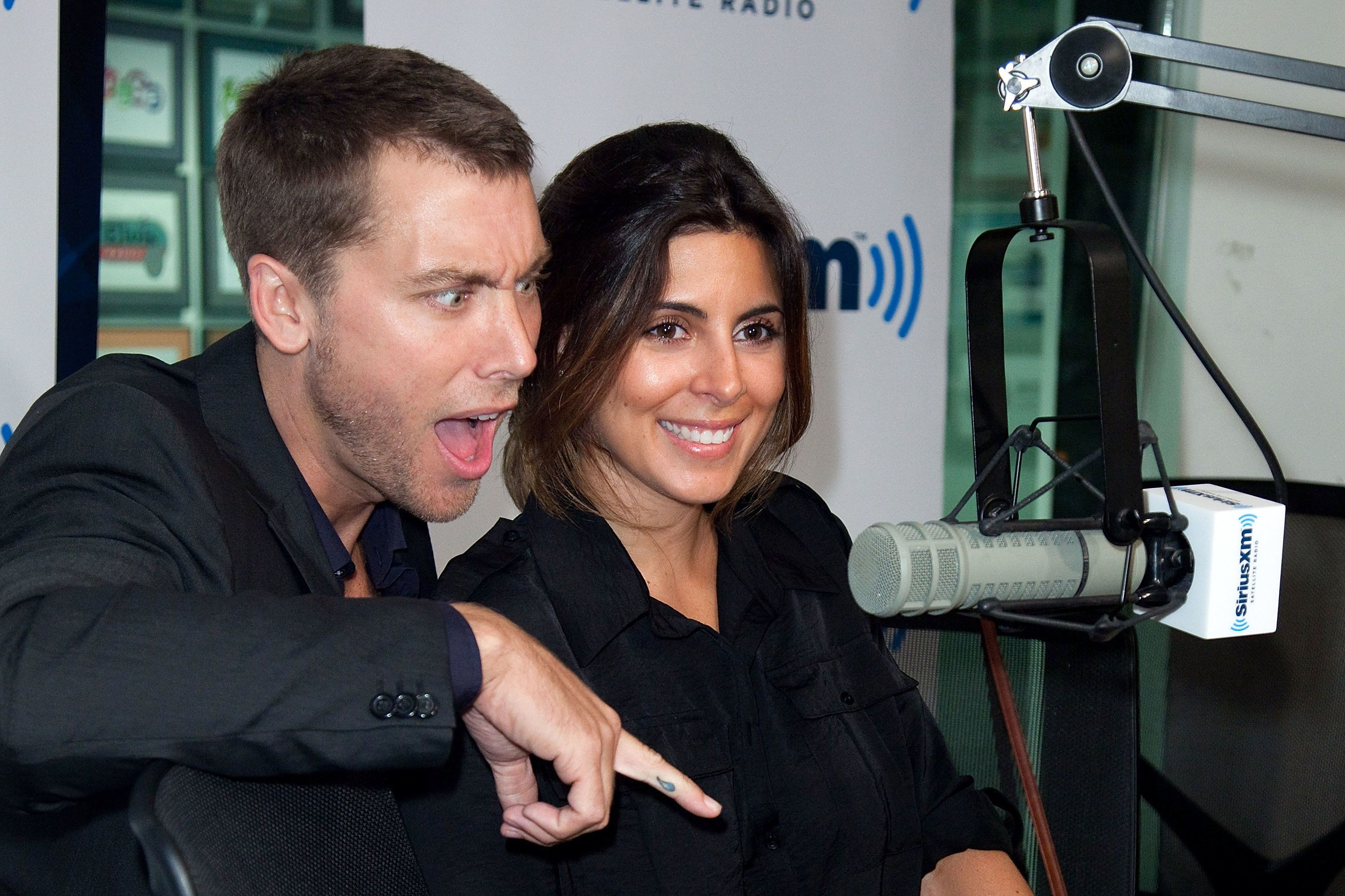 NEW YORK, NY - JULY 14:  (EXCLUSIVE COVERAGE) Singer/actor Lance Bass and actress Jamie-Lynn Sigler visit 'The Pop Ten' at SiriusXM Studio on July 14, 2011 in New York City.  (Photo by Ben Hider/Getty Images)