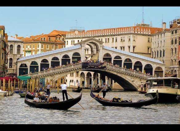 "<a href=""http://www.italylogue.com"" target=""_hplink"">The Venice that started the whole ""The Venice of..."" craze</a>, it's eas"