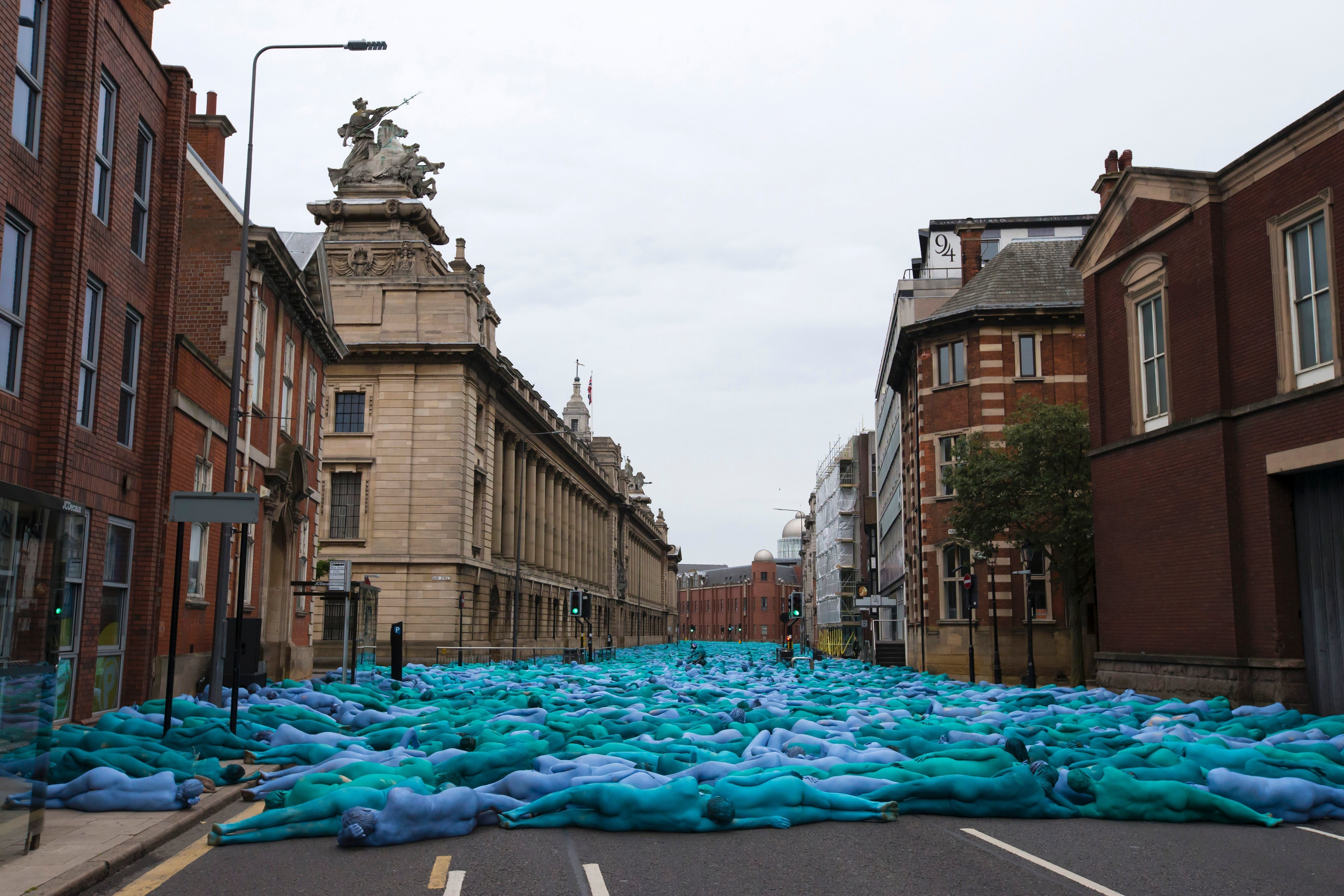 Sea Of Hull Installation Sees Thousands Of Naked People Painted