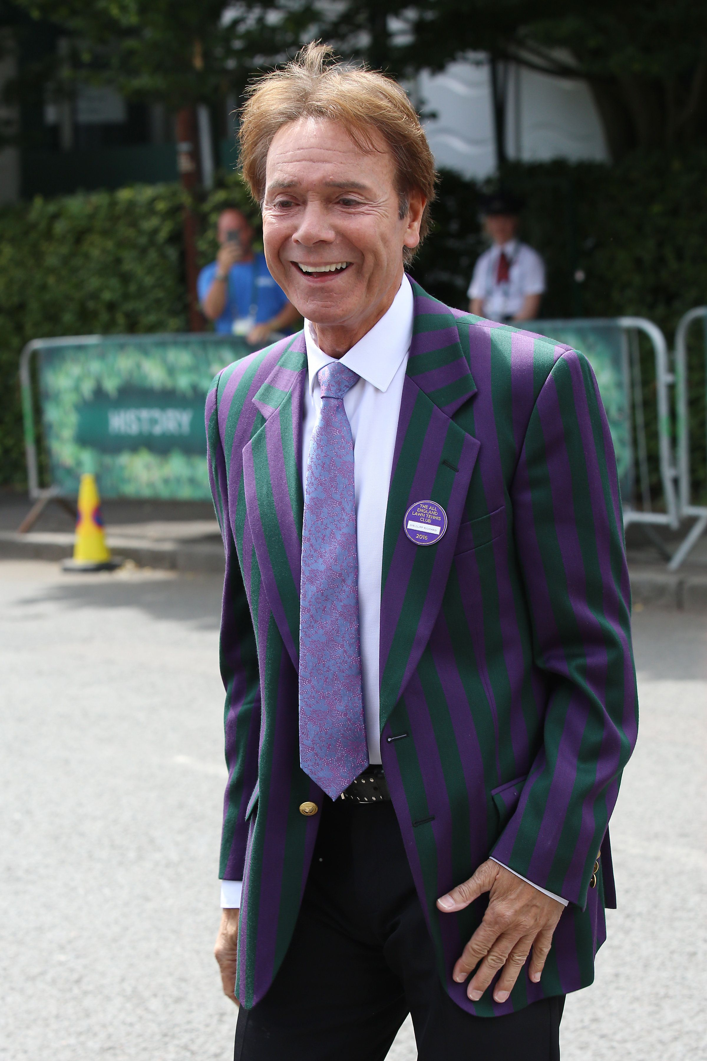 Sir Cliff Richardto sue the BBC and South Yorkshire Police for £1 million over live coverage...