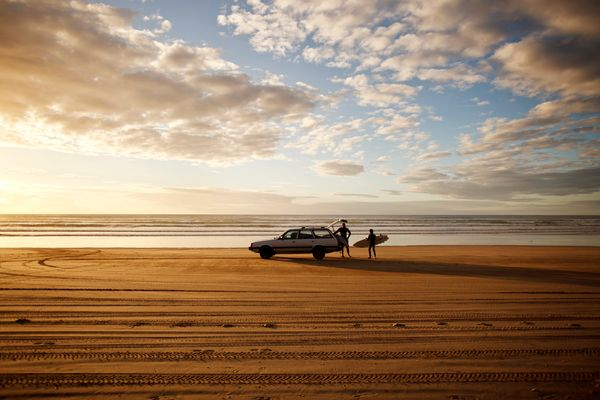 """Okay, so <a href=""""http://www.newzealand.com/us/feature/ninety-mile-beach/"""" target=""""_blank"""">it's not <i>actually</i> 90 miles"""