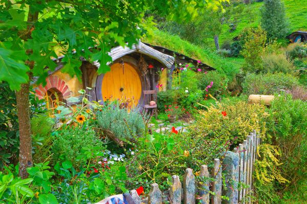 """<a href=""""http://www.hobbitontours.com/AboutUs/tabid/64/Default.aspx"""" target=""""_blank"""">Visit the real set</a> of""""The Lord"""