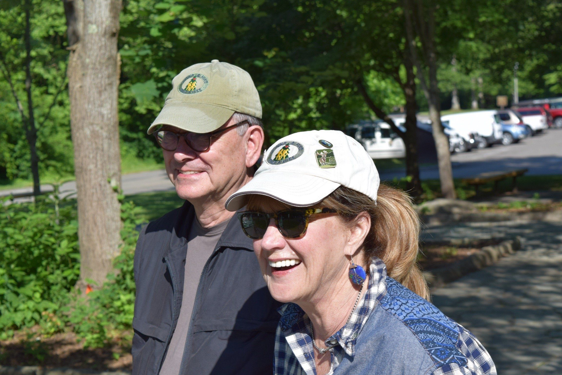 Mike and DonnaGuthrie at theGreat Smoky Mountains National Park, whichstraddles the borders of Tennessee an
