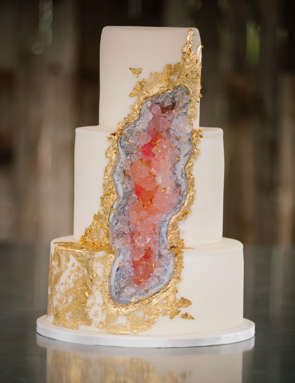 Geode Wedding Cake.Proof That Geode Cakes Are The Crown Jewel Of All Wedding Trends