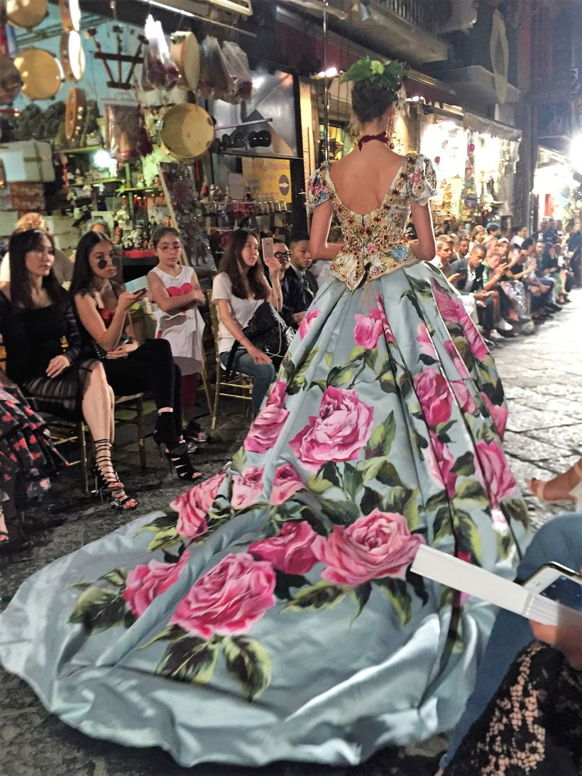 A magnificent couture gown by Dolce & Gabbana for Alta Moda. Naples.