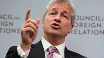JPMorgan Chase & Co CEO Jamie Dimon speaks about the state of the global economy at a forum hosted by the Council on Foreign Relations (CFR) in Washington October 10, 2012. REUTERS/Yuri Gripas (UNITED STATES - Tags: POLITICS BUSINESS)