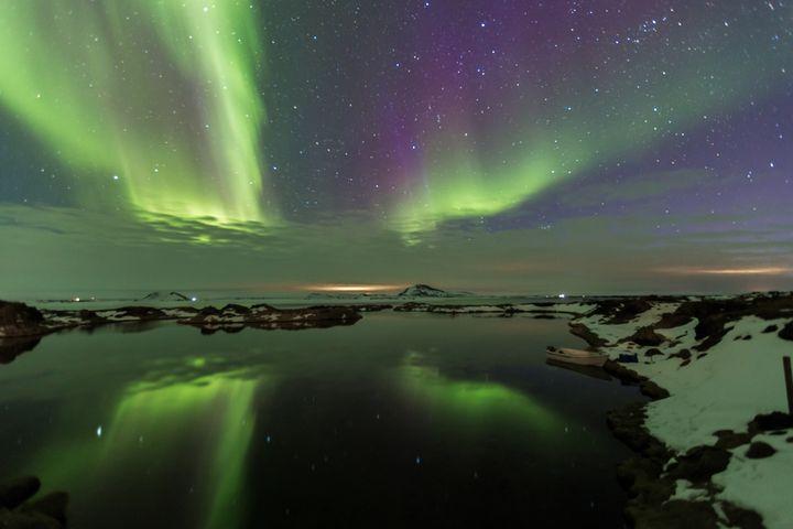 NORTHERN LIGHTS IN MYVATN