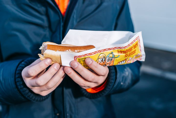 YUMMY HOT DOGS IN ICELAND