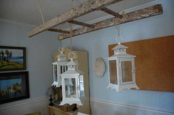 <i>This chandelier has an idyllic feel.</i>