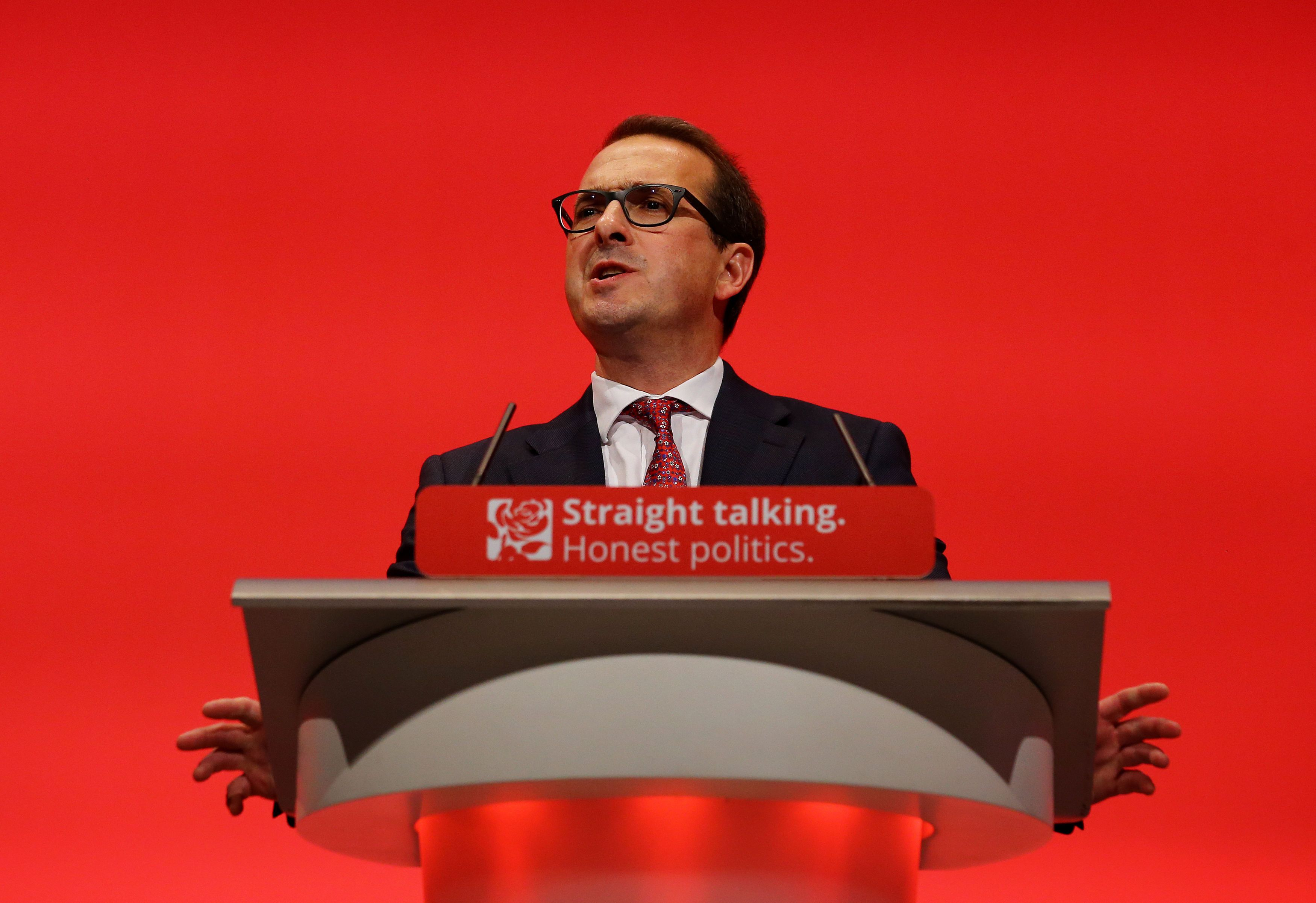 Owen Smith claimed there had been a 'dramatic collapse of faith and confidence' in Jeremy