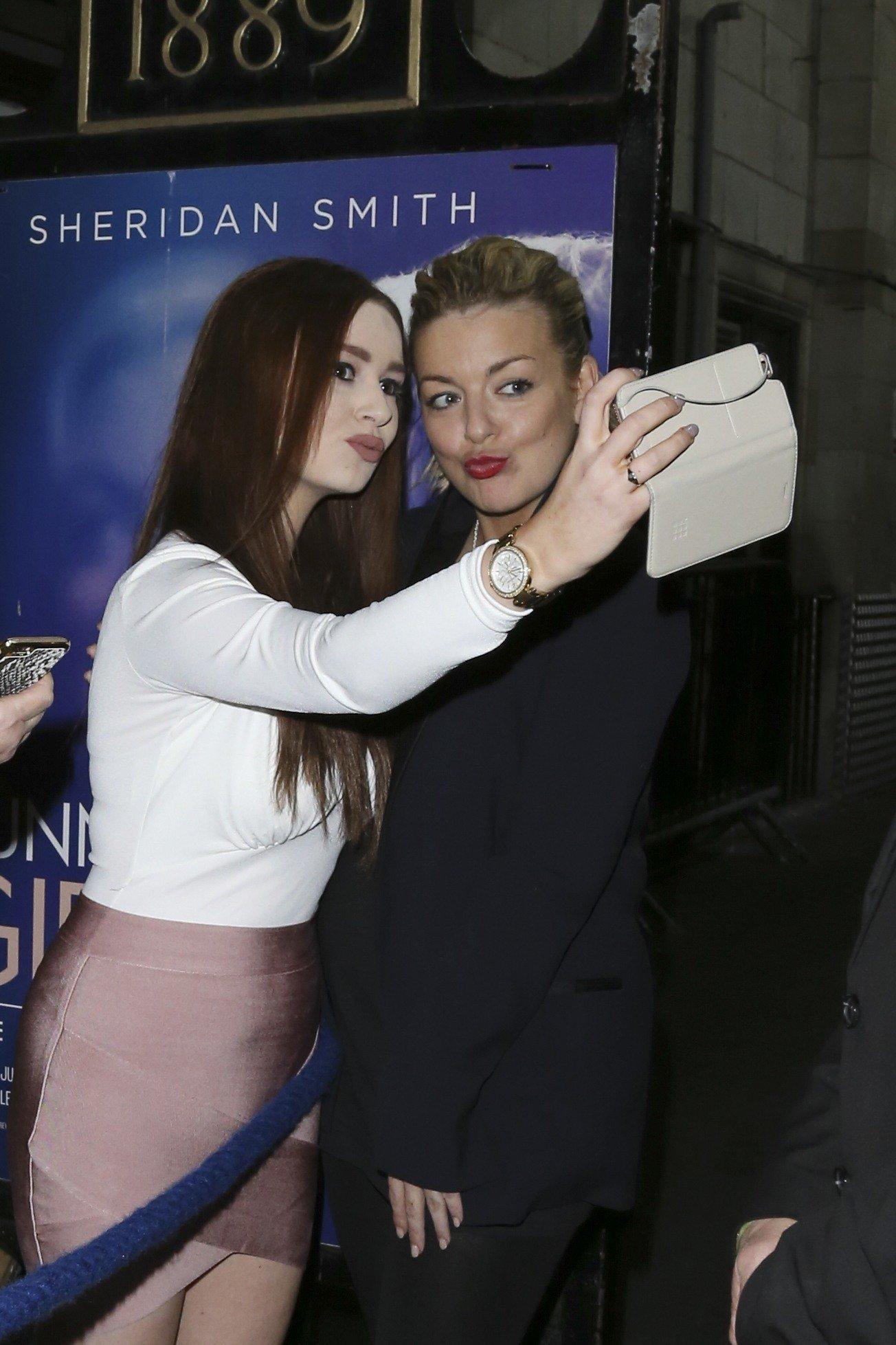 Sheridan's Back To Her Selfie
