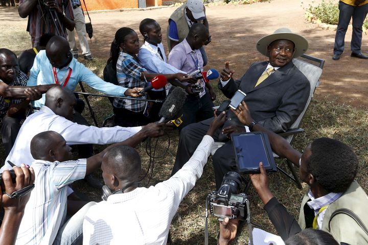Uganda's President Yoweri Museveni prompted lots of questions when he pulled over to take a phone call on the side of th