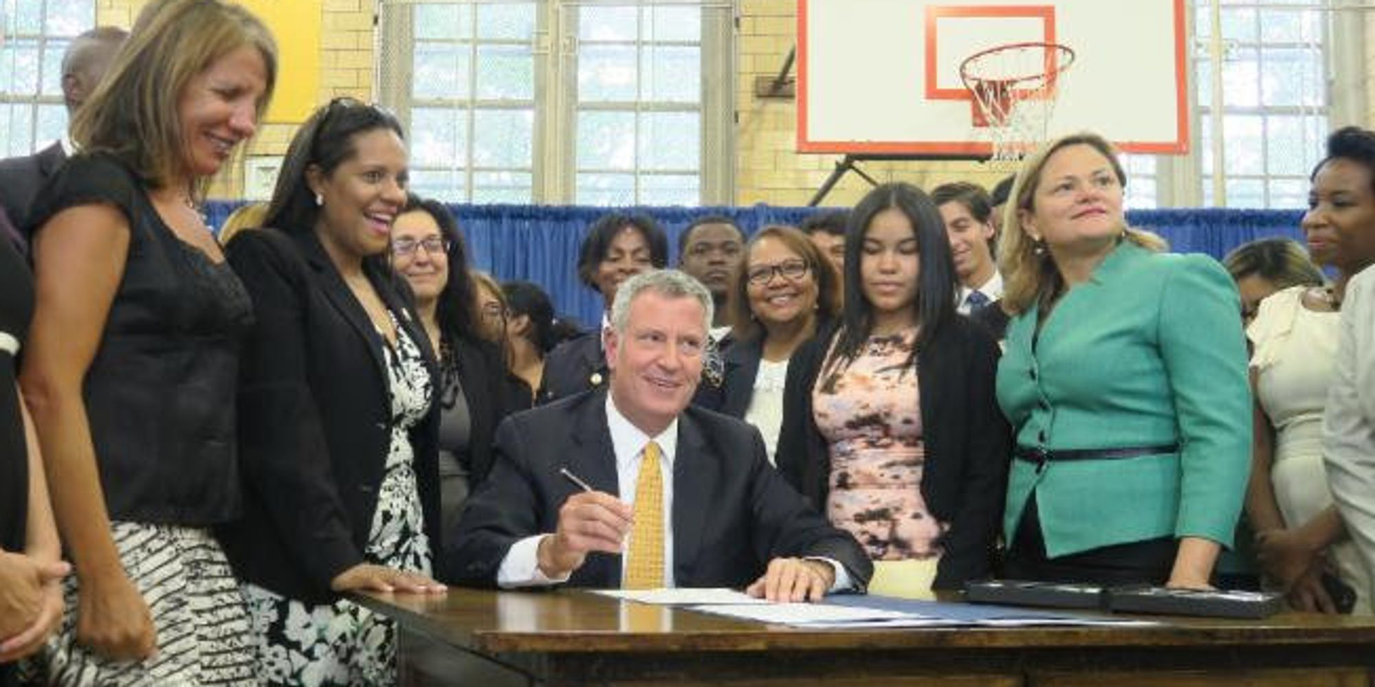 NYC Mayor Signs Free Tampons For Schools, Jails, Shelters Into Law