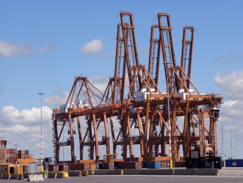 <i>Amsterdam container terminals</i>