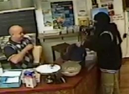 Kebab Shop Owner Thwarts Robbery By Simply Ignoring Suspect