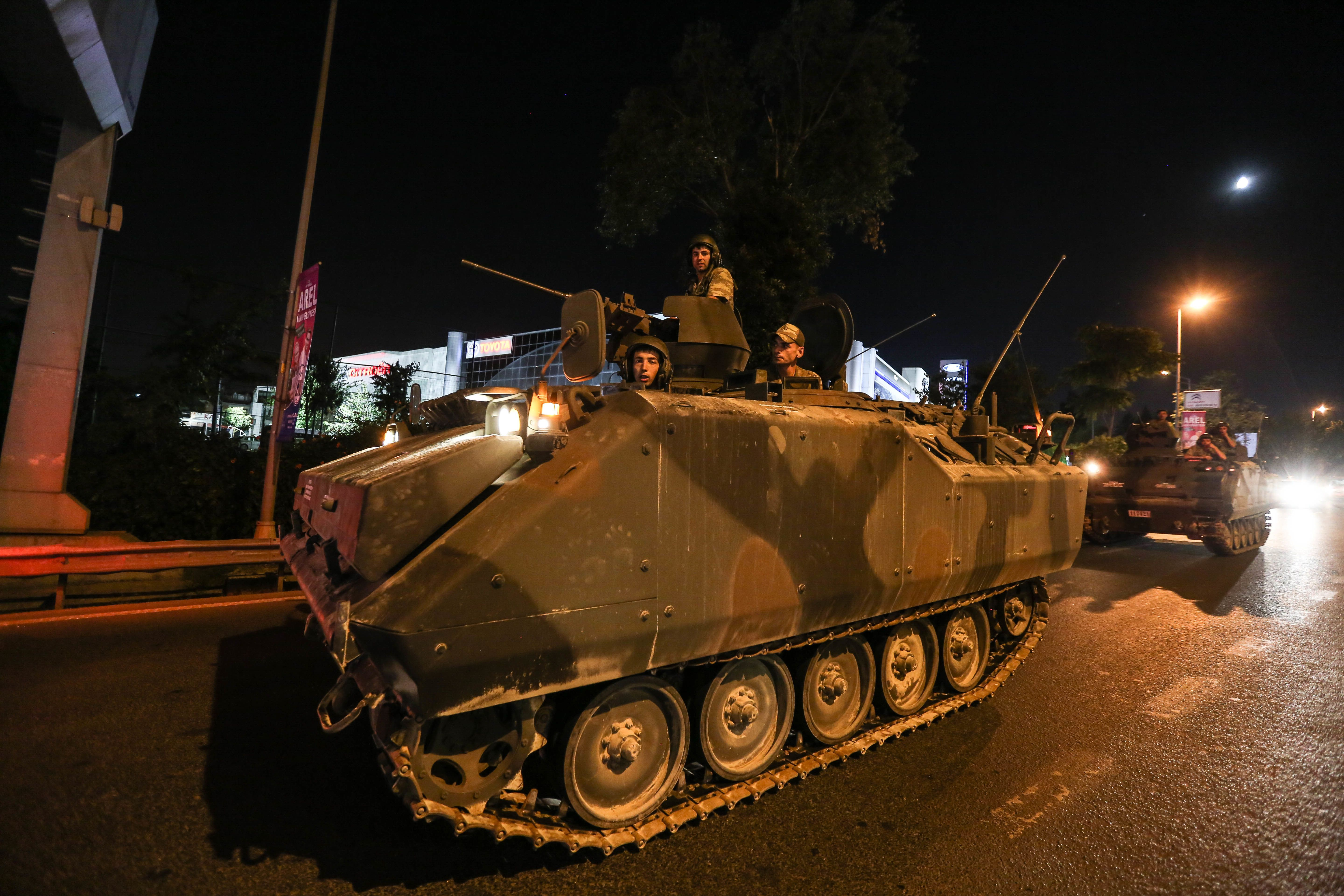 The Turkish army moves into the main streets in Istanbul.