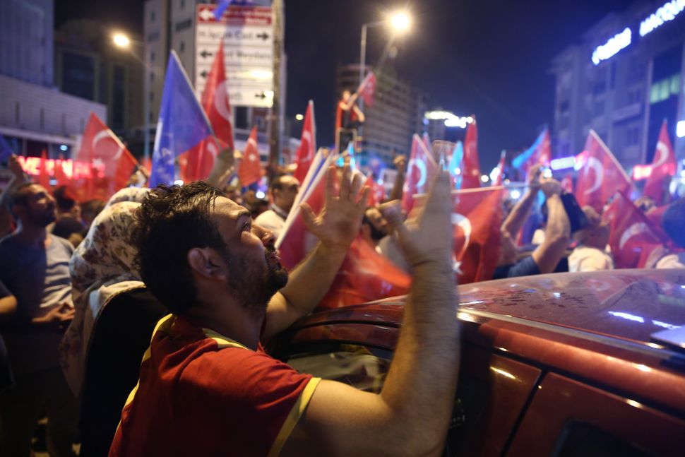 People react to the coup in Bursa.