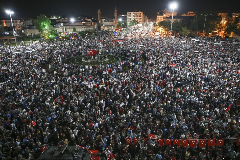 People gather in Sivas in reaction to the military coup.