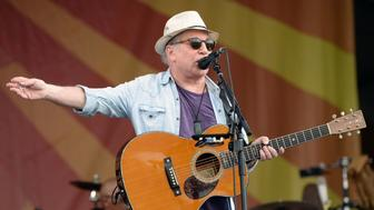 NEW ORLEANS, LA - APRIL 29:  Singer Paul Simon performs onstage at the New Orleans Jazz & Heritage Festival at Fair Grounds Race Course on April 29, 2016 in New Orleans, Louisiana.  (Photo by Scott Dudelson/WireImage)