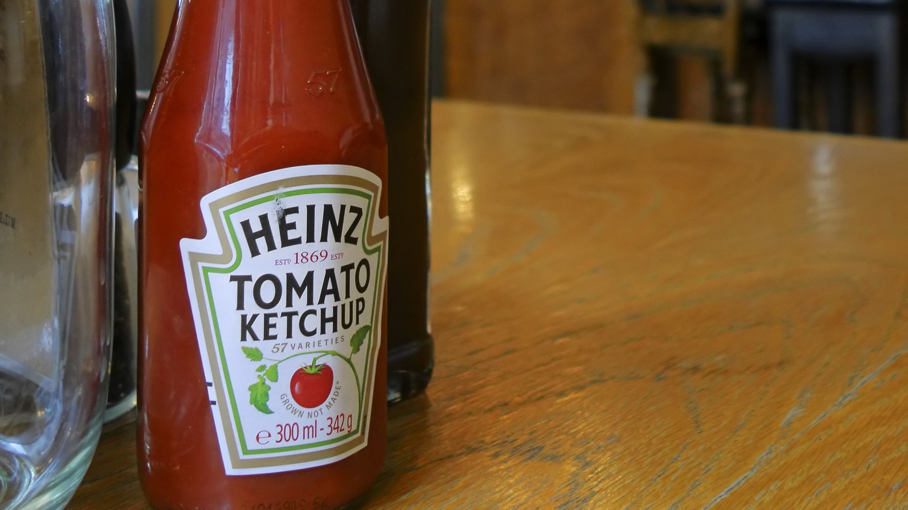 This Life Hack Will Help You Get Heinz Tomato Ketchup Out Of The