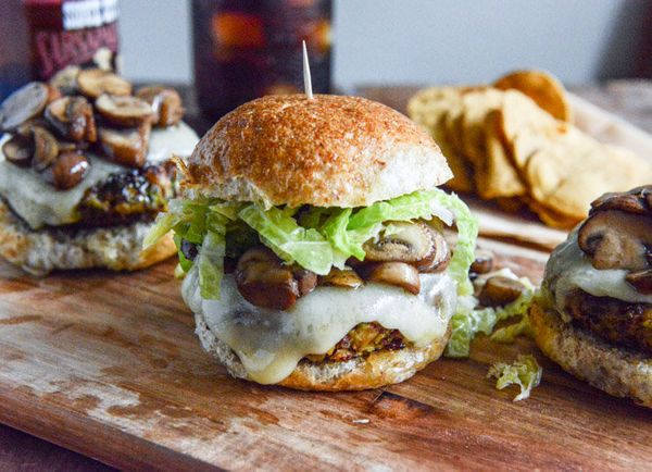 "<strong>Get the <a href=""http://www.howsweeteats.com/2013/10/crispy-autumn-veg-burgers-with-apple-cider-slaw/"" target=""_blank"
