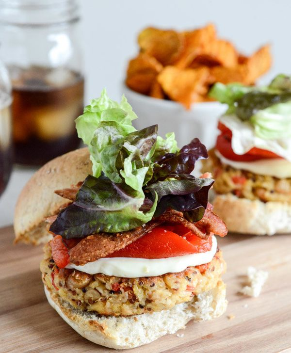"<strong>Get the <a href=""http://www.howsweeteats.com/2013/03/roasted-red-pepper-quinoa-white-bean-burgers/"" target=""_blank"">R"