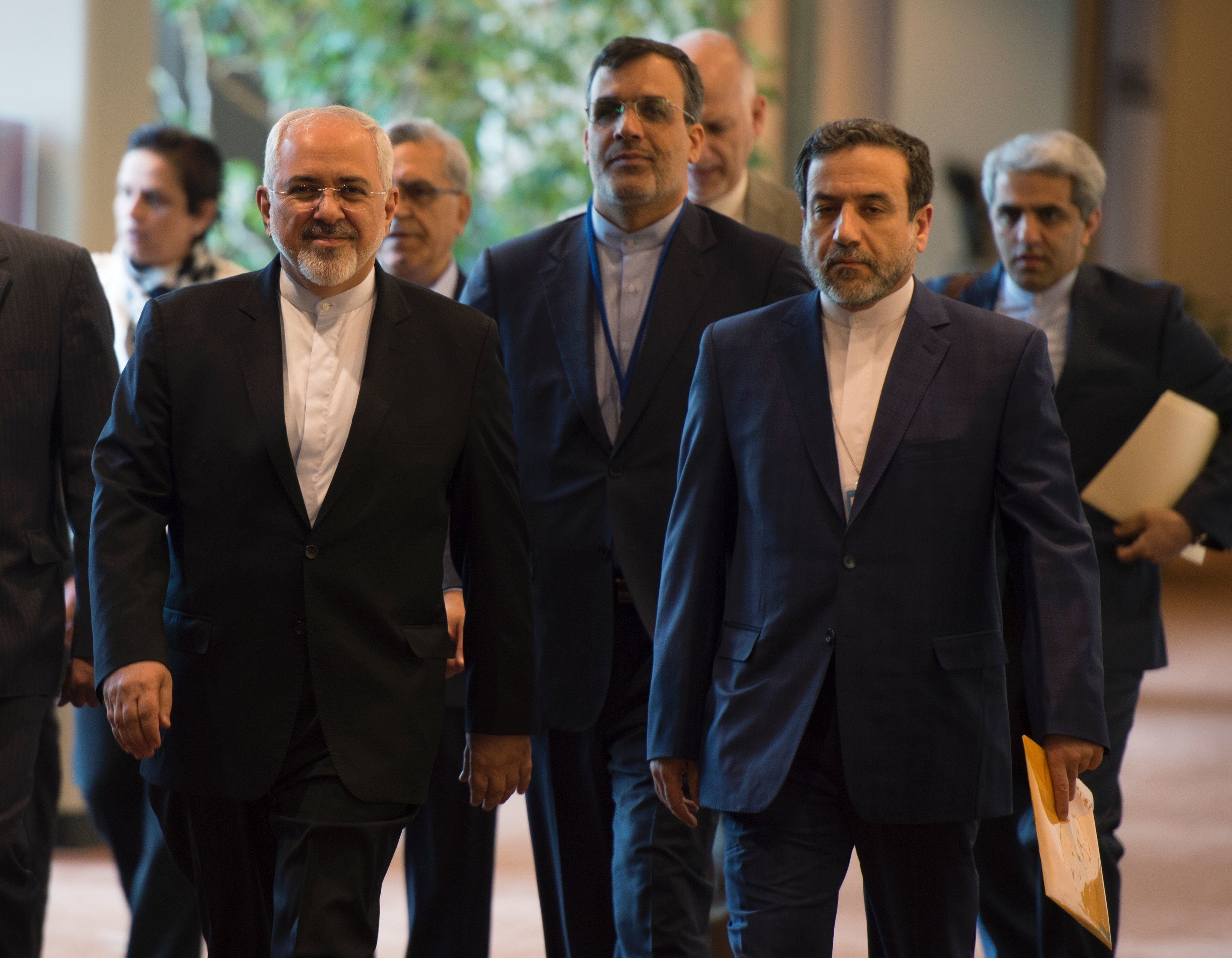 Iran's Foreign Minister Mohammad Javad Zarif(L) arrives for a meeting with US Secretary of State John Kerry April 19, 2016 at