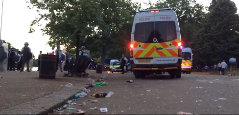 Hyde Park Violence As 'Spontaneous Water Fight' Leads To Police