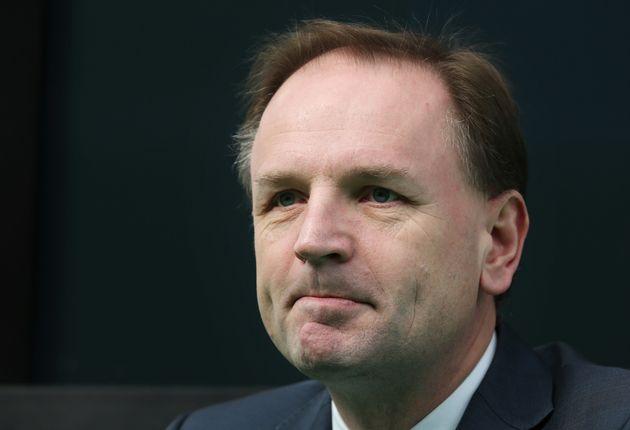 NHS chief executive Simon