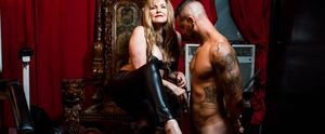 AMERICA ONLINE AOL HUFFINGTON POST DAMON DAHLEN SCHELEUR NEW YORK DOMINATRIX
