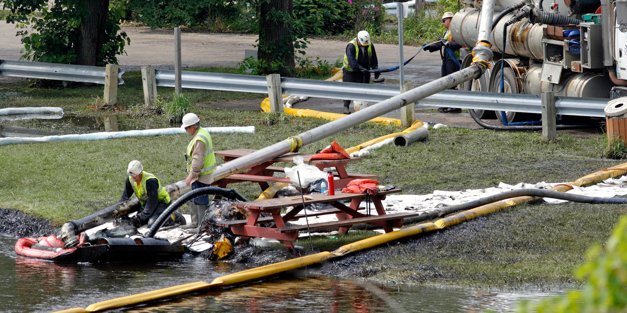 U.S., Enbridge Reach $177 Million Oil Spill Settlement