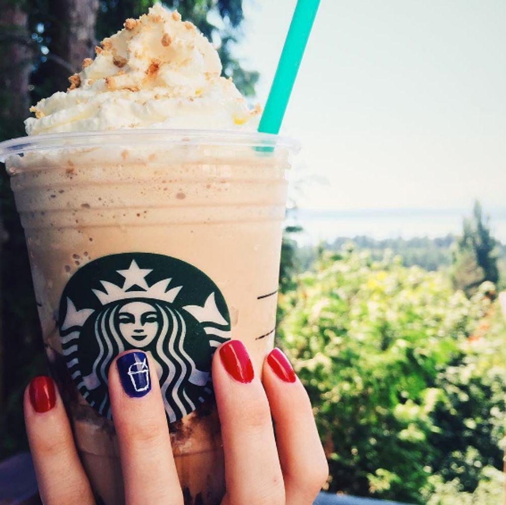 Starbucks Barista Is Deliberately Destroying Customers