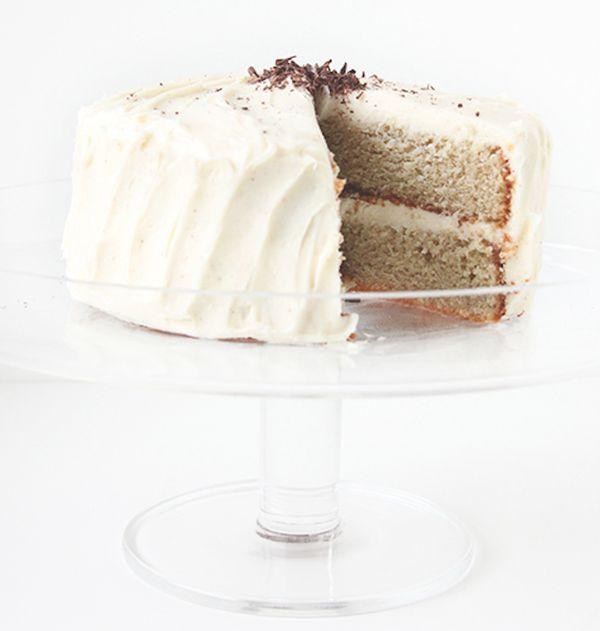 "<strong>Get the <a href=""http://www.thefauxmartha.com/2013/02/25/roasted-banana-cake/"" target=""_blank"">Roasted Banana Cake re"