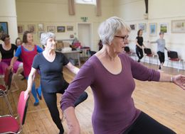 One Grandmother And Ex-Professional Dancer Is Teaching Ballet To OAPs