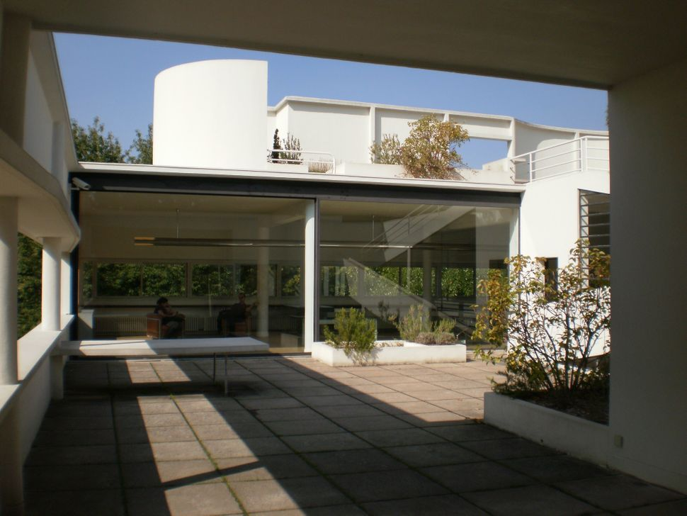 The rooftop, with gardens, of Villa Savoye in Poissy, France. The residence illustrates many of Le Corbusier's ideas abo