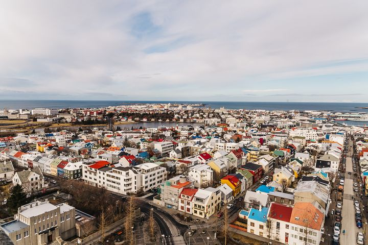 """<p><a rel=""""nofollow"""" href=""""http://www.thetravelpockets.com/new-blog/2016/4/7-day-iceland-road-trip-itinerary"""" target=""""_blank"""">THE COLORFUL TOWN OF REYKJAVIK</a></p>"""