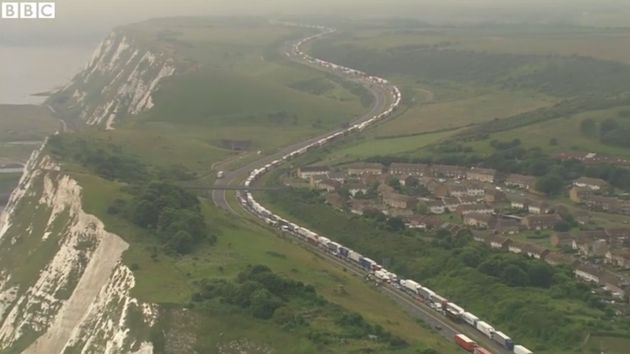 UK Border staffwill work with French officialsfollowing 'extraordinary disruption' to motorists...