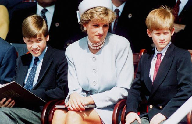 ヘンリー王子「母の死について語ればよかった」