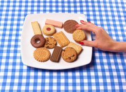 Find It Hard To Resist Unhealthy Snacks In The Afternoon? This May Be Why