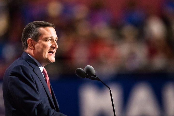 Sen. Ted Cruz (R-Texas)drew jeers for refusing to endorse GOP nominee Donald Trump.