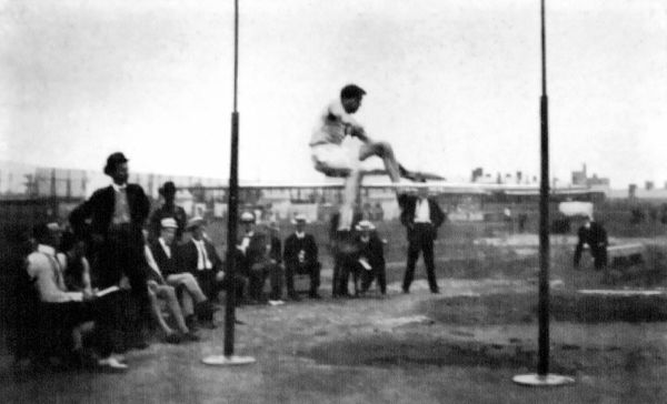 "The track and field staple at every Olympics from 1900 to 1912 saw <a href=""http://www.mapsofworld.com/sports/olympics/athlet"