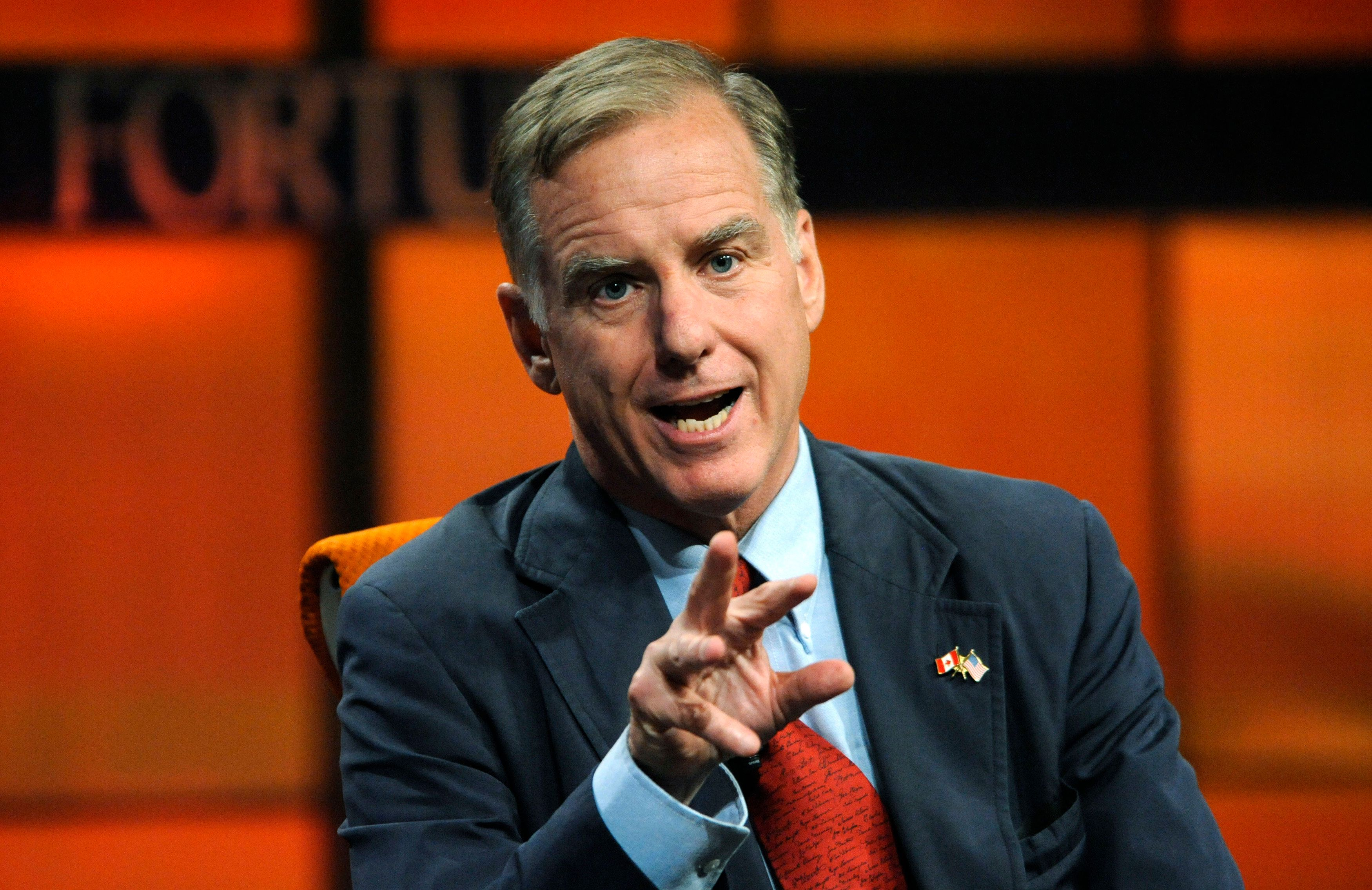 "Governor Howard Dean, physician and former chairman of the Democratic National Committee, speaks during the ""American Technophile: ""How Technology is changing Politics, Governance & Healthcare"" panel at the Fortune Tech Brainstorm 2009 in Pasadena, California July 22, 2009.  REUTERS/Phil McCarten (UNITED STATES BUSINESS)"