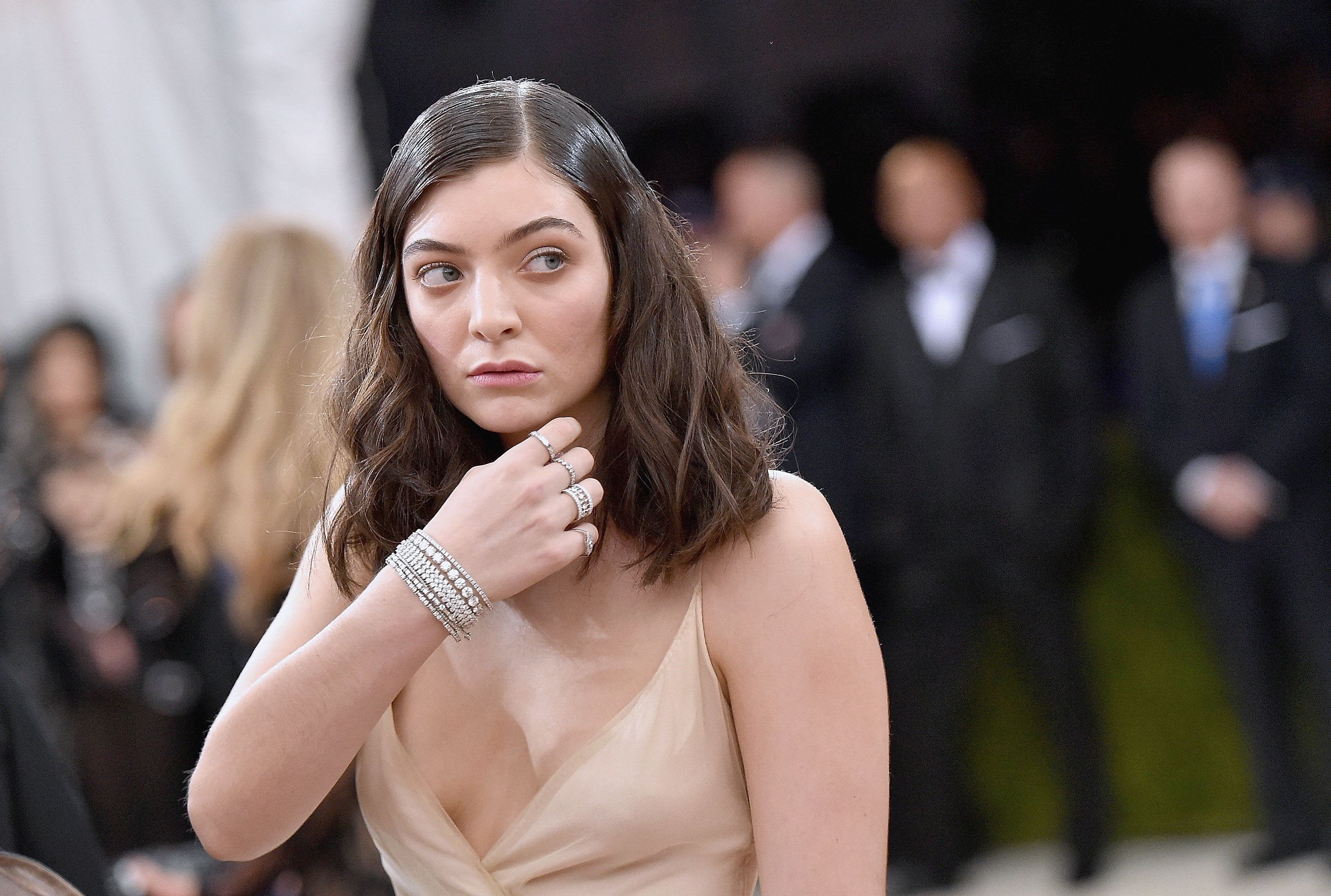 Lorde's face right