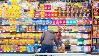 TORONTO, ONTARIO, CANADA - 2016/03/19: Canadian grocery store, person choosing products. Abundace of food is the number one reason for diabetis in the first world. (Photo by Roberto Machado Noa/LightRocket via Getty Images)