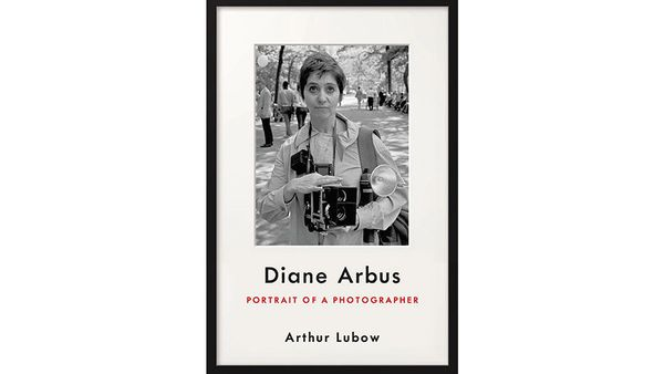 """<strong><i><a href=""""https://www.amazon.com/Diane-Arbus-Photographer-Arthur-Lubow/dp/0062234323/?tag=thehuffingtop-20"""" target="""