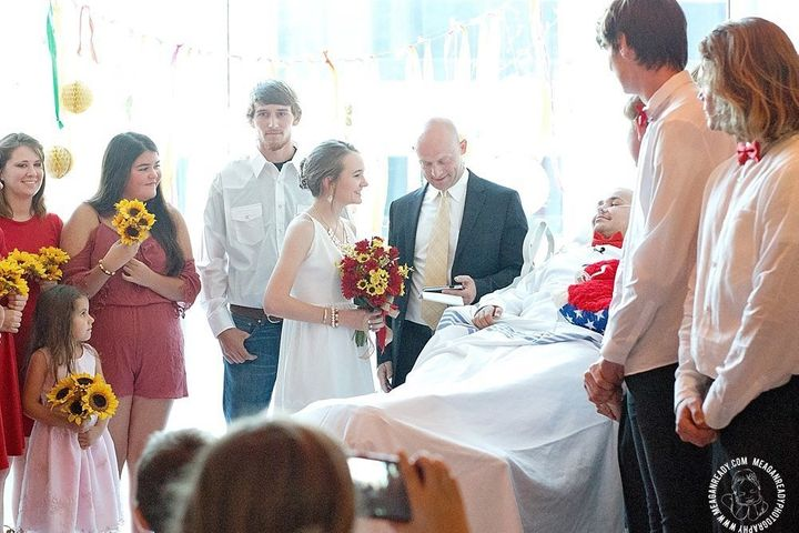 Abbi and Swift exchanging vows.