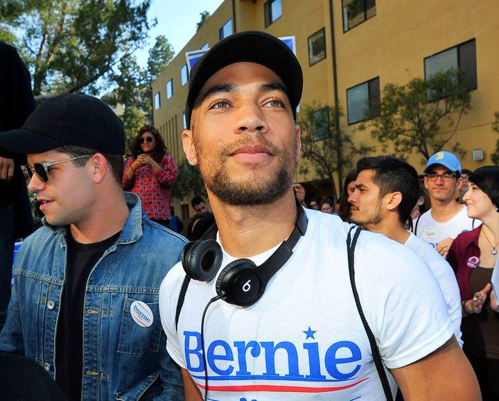 Actor Kendrick Sampsonralliesfor Bernie Sanders in Los Angelesin May.
