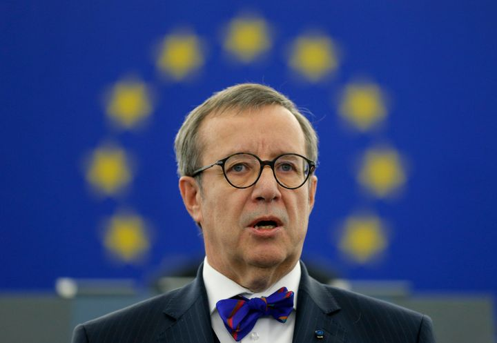 Estonian President Toomas Hendrik Ilves recently schooled a social media rando who criticized him for tweeting in English.